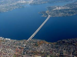 I-90_bridge_across_Lake_Washington_in_Seattle