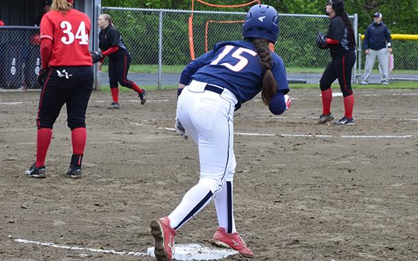 running bases, women's softball