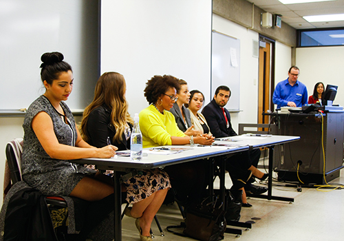 Representatives from Nordstrom, Boeing and Northwestern Mutual discuss tips for landing internships.